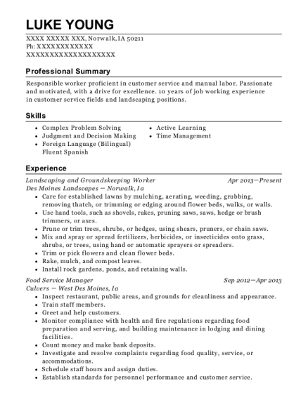Landscaping and Groundskeeping Worker resume example Iowa